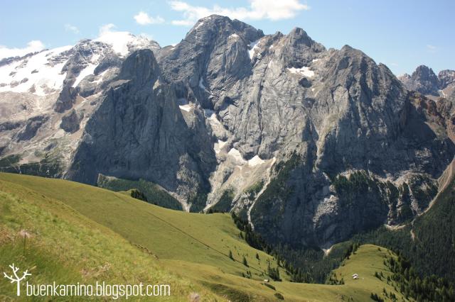 Montaña Glaciar de la Marmolada en verano